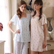 kobiety w piżamach